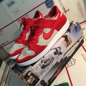 SB low fly knit red/wolf grey